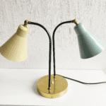 italienische Tischlampe mit zwei Metallschirmen